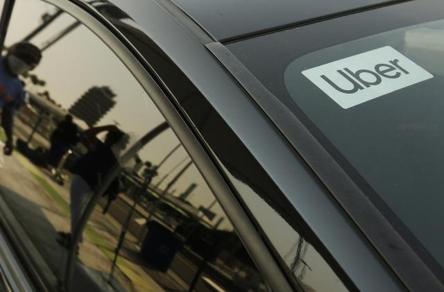 Uber users in the UK can reserve a premium ride a month in advance