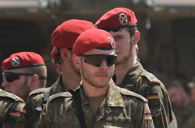 Germany and the Netherlands form a joint military network