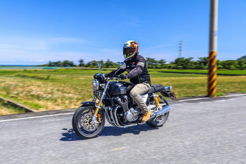 騎著CB1100 RS在東部馳騁真的能感受到人生的美好!