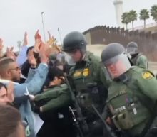 US authorities arrest 32 in border protest