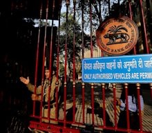 Traders Cheer RBI Canceling Sale More Than Moody's India Upgrade