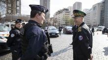 """Coronavirus: """"impossible de continuer son trajet en voiture"""" sans justifications, prévient le préfet de police de Paris à la veille des vacances"""