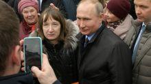 'É possível viver com US$ 170?', questiona russa a Putin