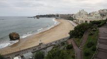 Coronavirus: à Biarritz, il est interdit de s'asseoir sur les bancs plus de 2 minutes