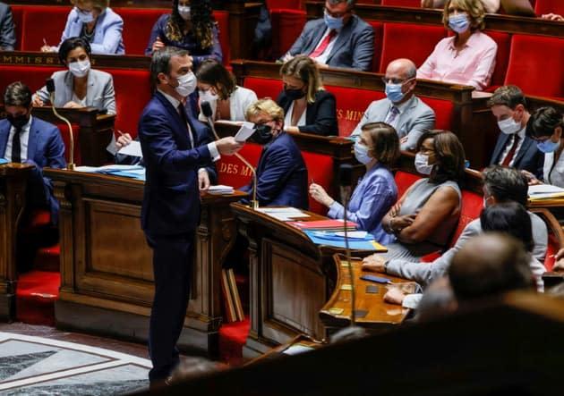 Pass sanitaire et obligation vaccinale des soignants: l'Assemblée vote le nouveau texte anti-Covid