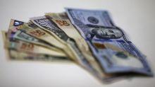 Dólar tem alívio e fecha abaixo de R$4,20 na véspera de decisão do Fed