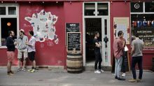 """Extension des terrasses des bars et restaurants à Paris : """"Il faut qu'on ait des agents qui puissent faire respecter la règle"""", estime la maire du 5e"""