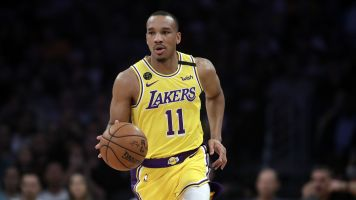Lakers plan to give Bradley ring if they win title