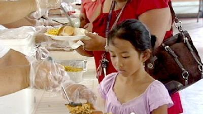 Thanksgiving Outreach Cooks Up 4,000 Meals