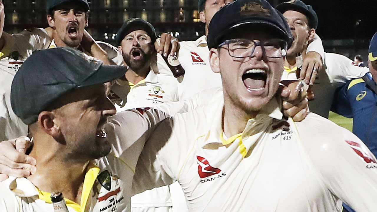 Controversy erupts over photo of Steve Smith celebrating Ashes win