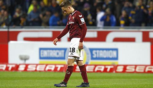 2. Liga: Dank Eigentor: Fürth rutscht an Dynamo heran