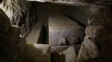 Egipto: encuentran un sarcófago de 30 toneladas y creen que podría ser de Alejandro Magno