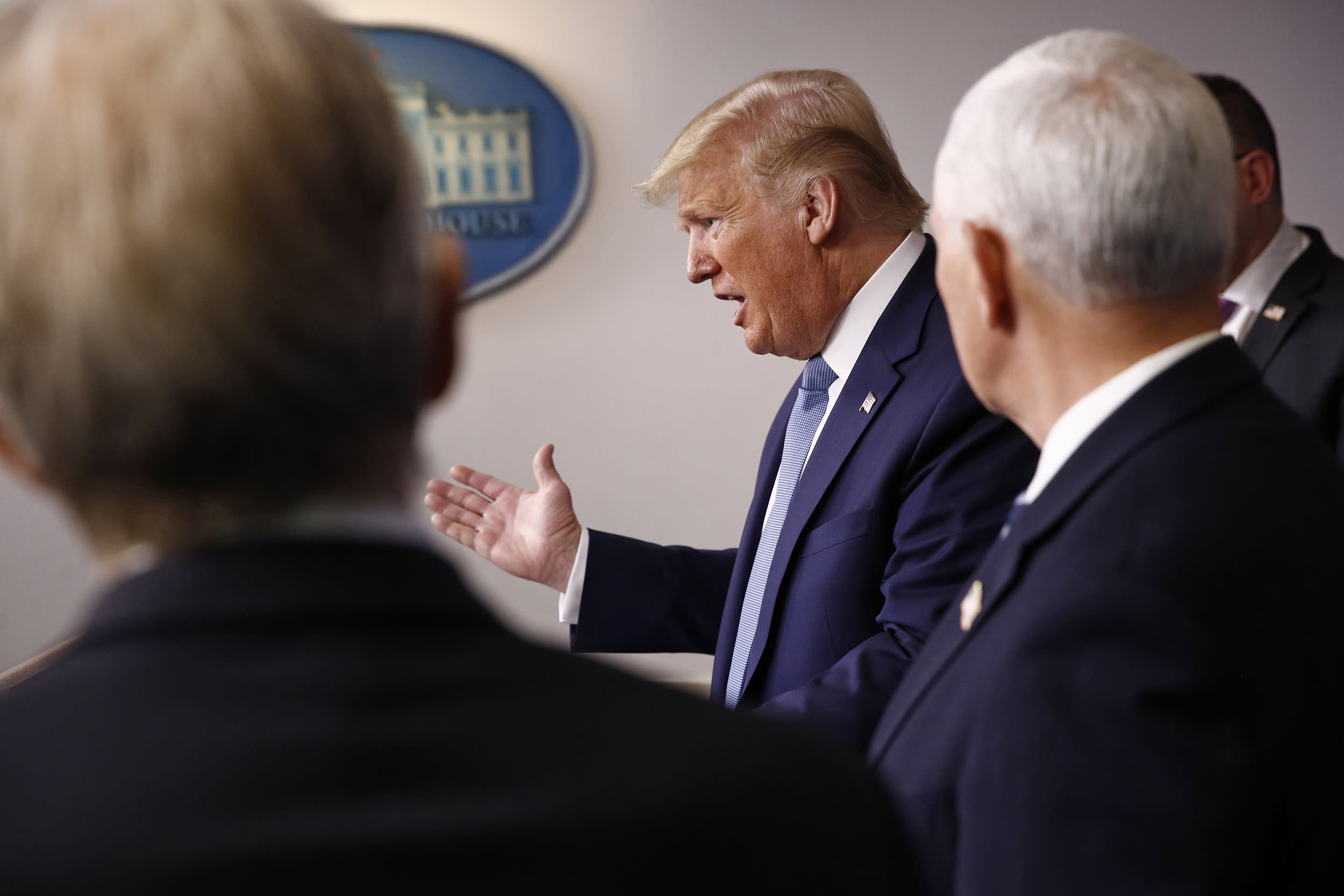 Won't Allow Long-Lasting Damage to US Economy from Coronavirus, Says Trump