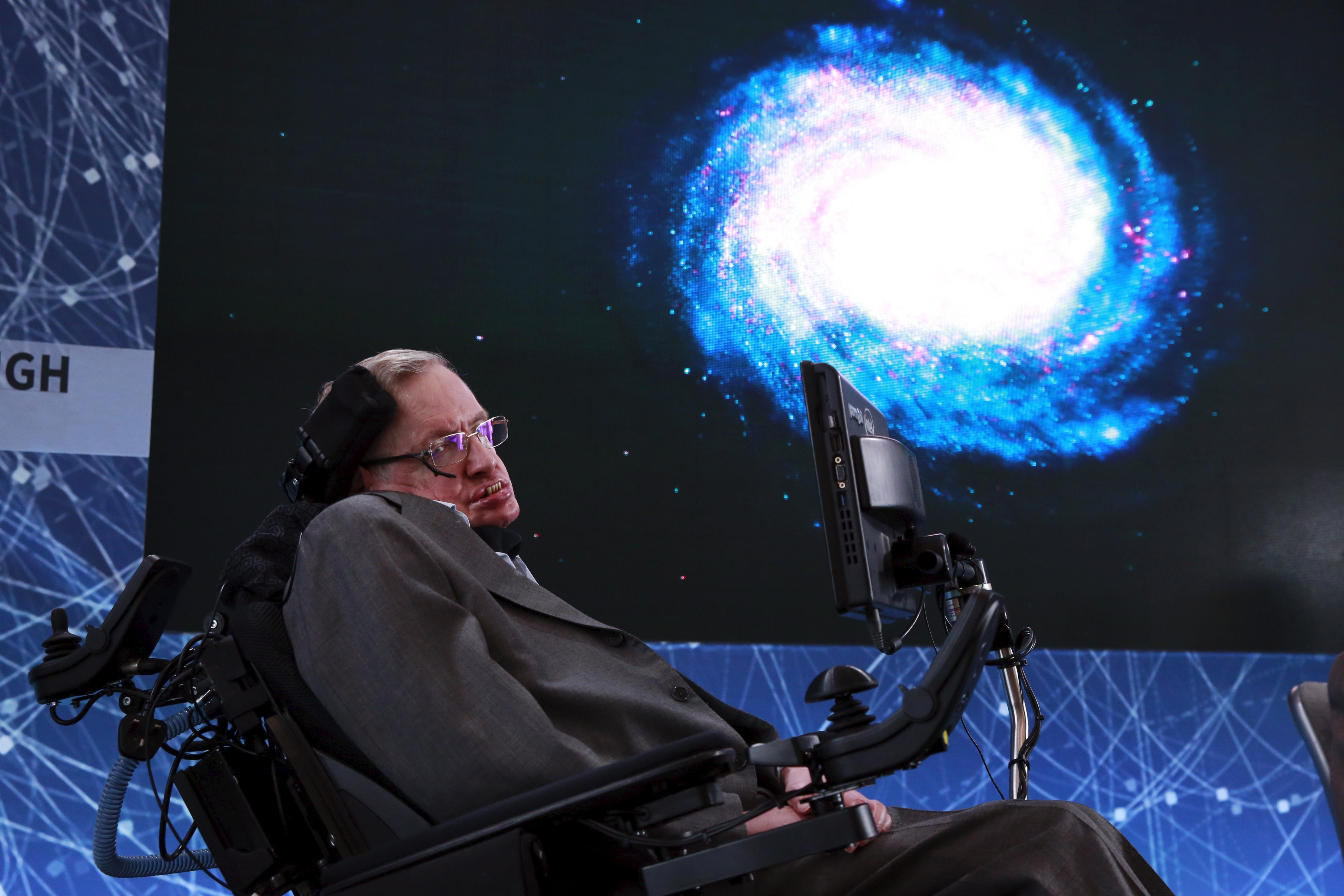 Stephen Hawking Puts An Expiry Date On Humanity