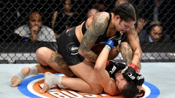 Nunes cruises to lopsided win to retain title