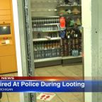 Chicago police exchange shots with suspect amid looting