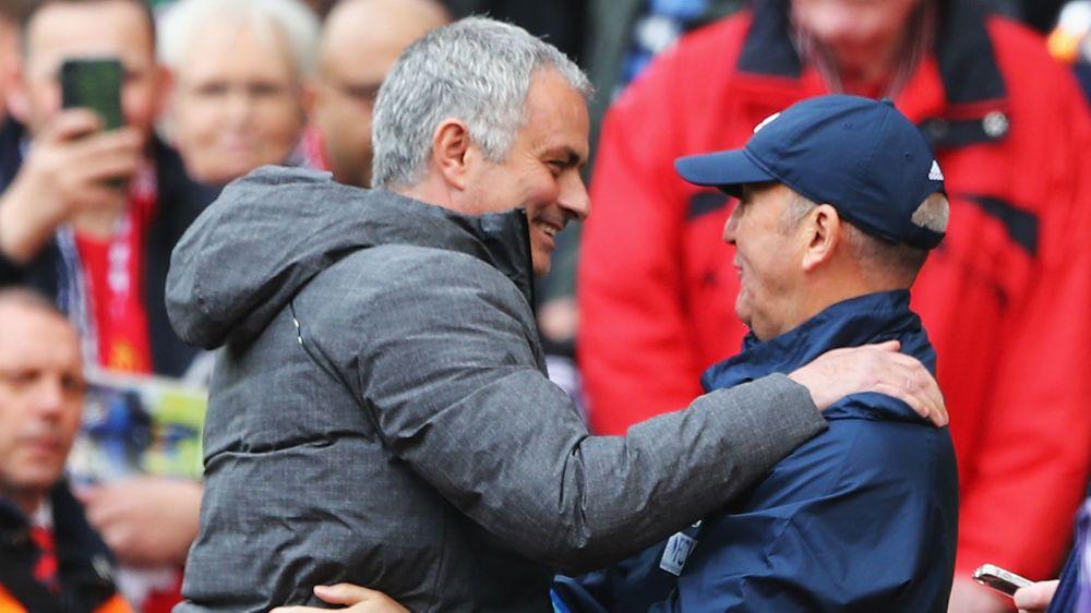 Pulis backs Mourinho for title triumph next season