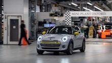 Taking the 2019 Mini Electric to the track is 'reassuringly familiar'