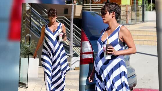 Heavily Pregnant Halle Berry Picks Up a Smoothie in Los Angeles