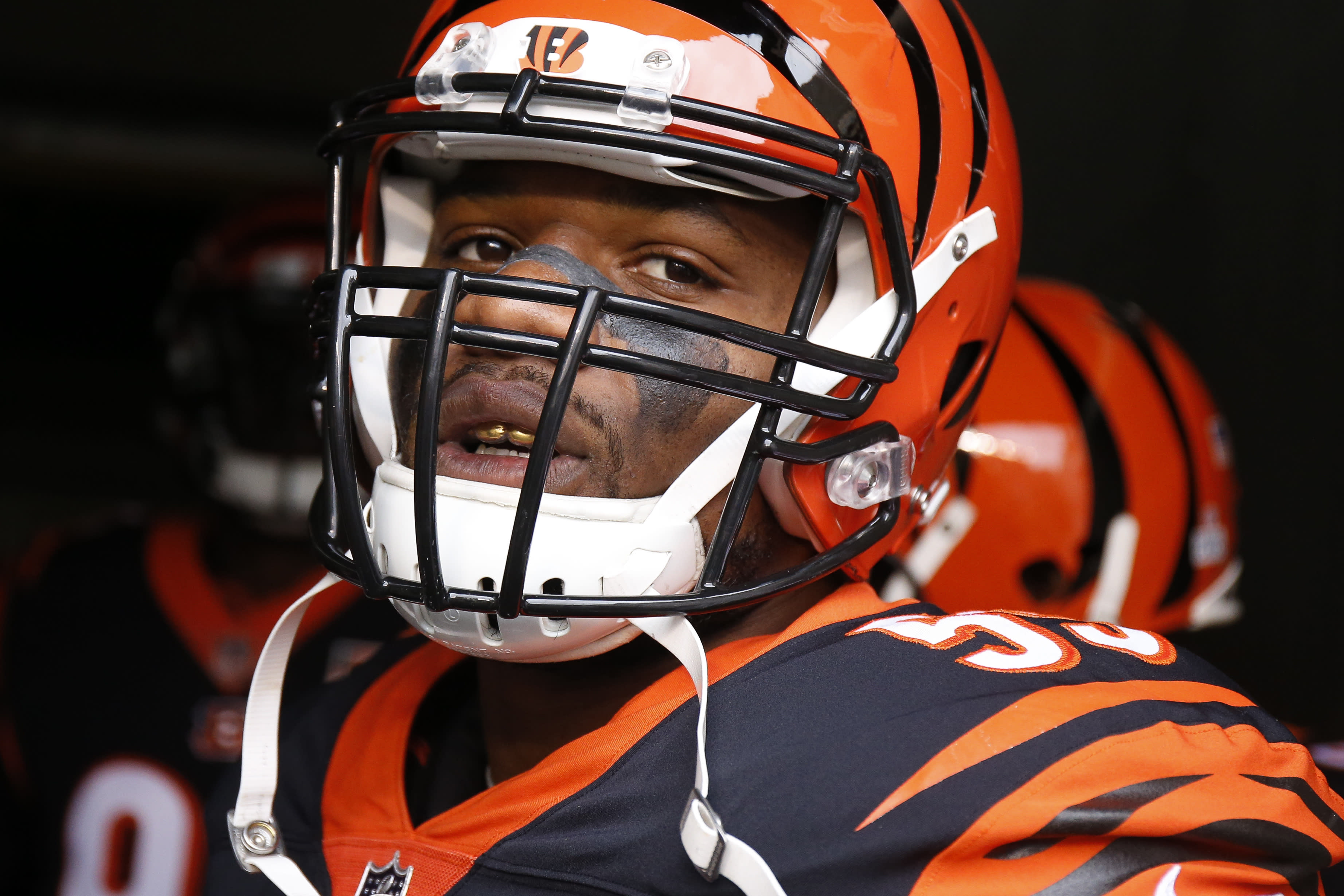 Vontaze Burfict doesn't talk to reporters after being involved in another questionable hit