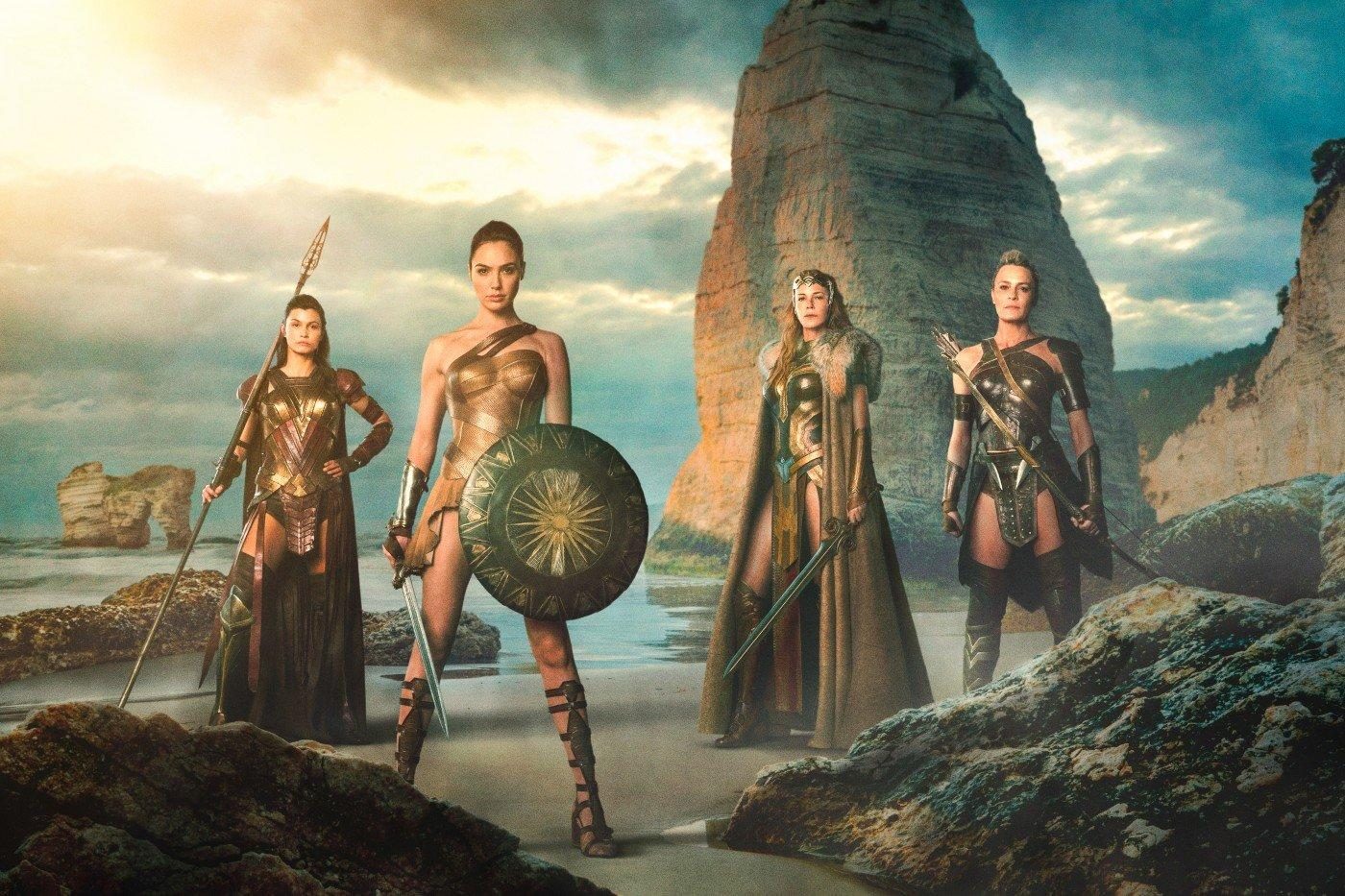 'Justice League' appears to make costumes sexier for Amazons