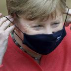 Angela Merkel wears mask at appearance before German politicians