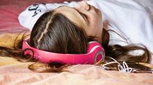 Ouvir músicas estrangeiras durante o sono pode nos ajudar a aprender uma nova língua