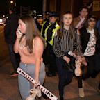 People Offer Shelter With #RoomForManchester After Ariana Grande Concert Tragedy