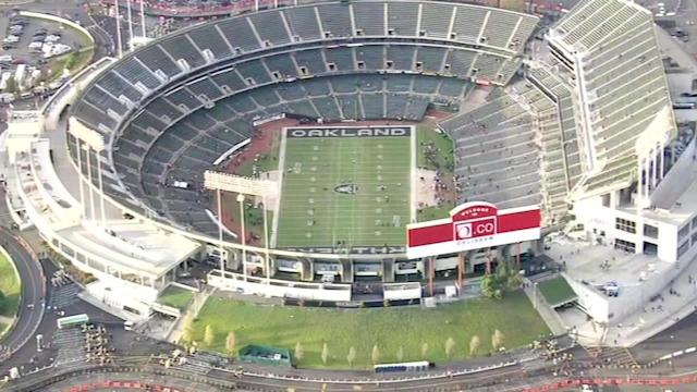 Raiders owner considers moving team to Texas