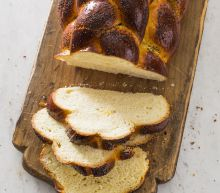 The way to make an evenly brown, shiny crusted challah loaf