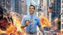 Ryan Reynolds es un héroe absurdo en el tráiler de 'Free Guy'