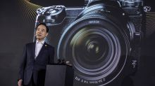 Nikon Takes on Sony With Mirrorless Camera
