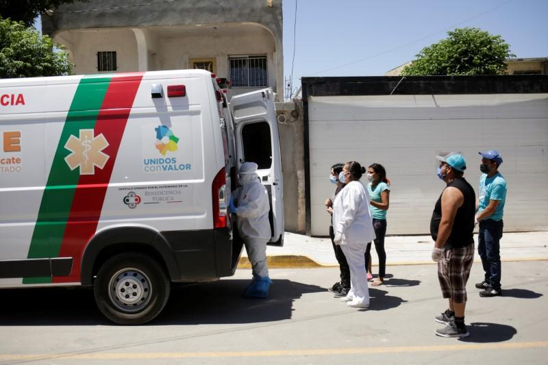 Mexico's confirmed coronavirus deaths rise to 70,604