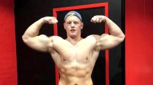 Bodybuilder loses 9 stone after ditching 10,000 calorie a day diet