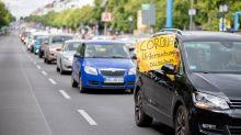 Newsblog in Berlin: Protest gegen Corona-Regeln - Hildmann-Autokorso gestartet