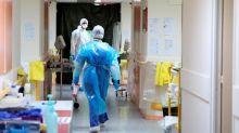 Covid-19: plus de850nouveaux décès comptabilisés en France