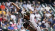Braves' Ynoa punches bench, breaks hand, to miss 2 months