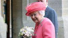 Royal Style: Warum sich die Queen so selten ohne Handschuhe zeigt