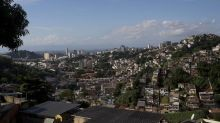 Brésil: Des hélicoptères de la police sèment la panique dans les favelas de Rio