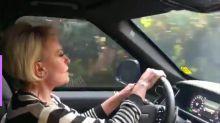 Ana Maria Braga canta Rita Lee em vídeo