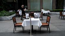 Restaurantes de NY poderão atender 25% de sua capacidade em ambientes fechados