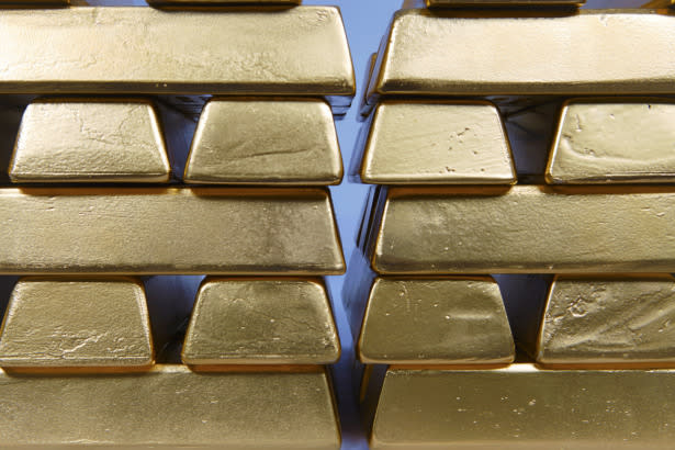 Gold Price Prediction – Prices Reverse on Strong Treasury Yields Gains