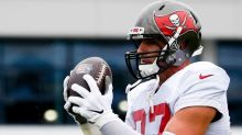 """Bucs will """"play it by ear"""" with Gronk's snaps in opener"""
