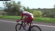 Giro - Tour d'Italie : la chute d'Elia Viviani lors de la deuxième étape