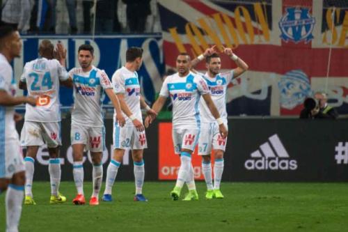 Thauvin e Payet brilham, e Olympique passa pelo Angers