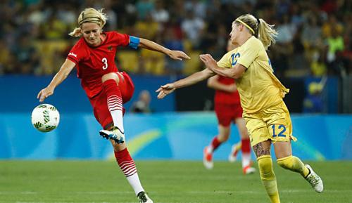 Frauen-Fußball: Ex-Nationalspielerin Bartusiak beendet Karriere