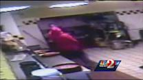 Hungry Howie's robbery suspects in custody