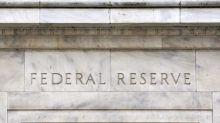 Forte crescimento dos EUA e inflação fraca dão conforto para Fed manter juro