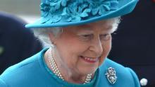 Rainha Elizabeth vai adesfile na Semana de Moda de Londres