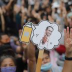 Thai protesters' deadline passes, but PM says he won't quit